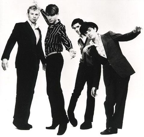 http://thehelplessdancer.files.wordpress.com/2008/11/franz-ferdinand.jpg
