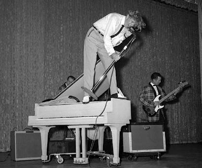Jerry Lee Lewis On Piano, Stage