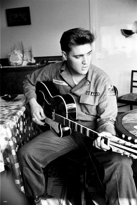 Elvis-Presley-sb02